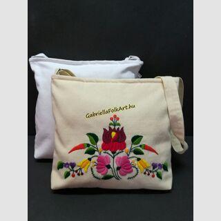 Kalocsai kézzel hímzett drapp táska
