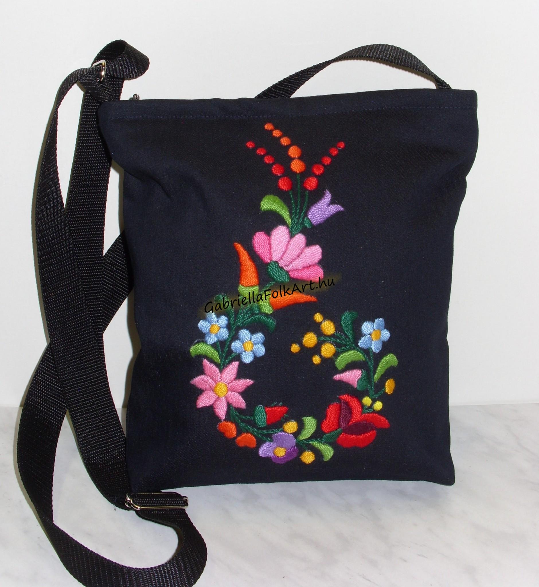 f0a2933562b0 Kézzel hímzett női táskák | GabriellaFolkArt
