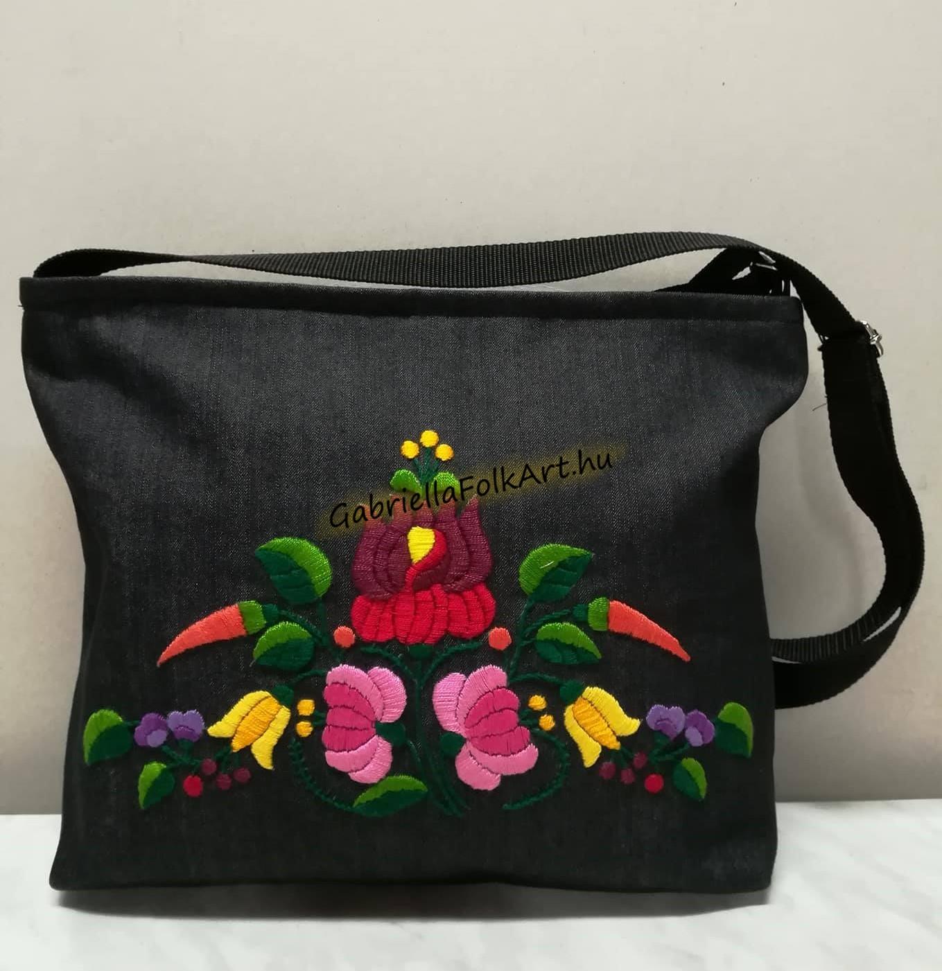 f5aa80d6d03c Kalocsai kézzel hímzett | Kézzel hímzett női táskák | GabriellaFolkArt