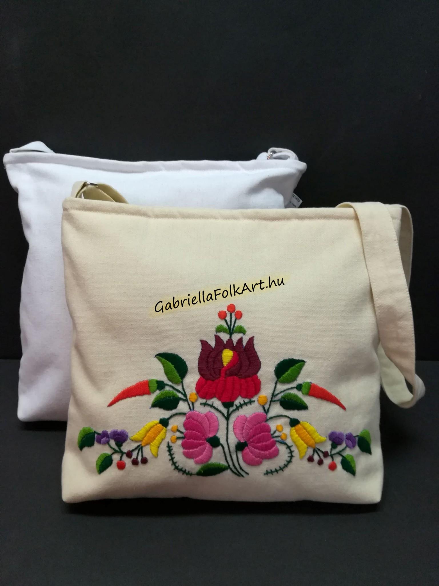 Kalocsai kézzel hímzett drapp táska  7cc73f042a