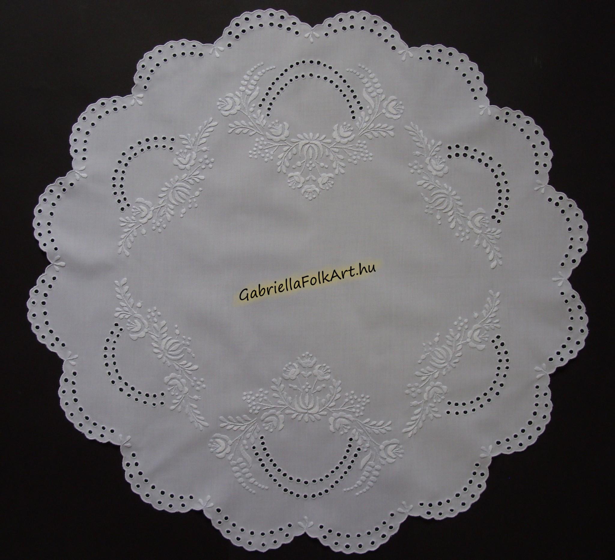 d1c67ff1f7 Fehér,Bordó,Ó-arannyal hímzett terítők | GabriellaFolkArt